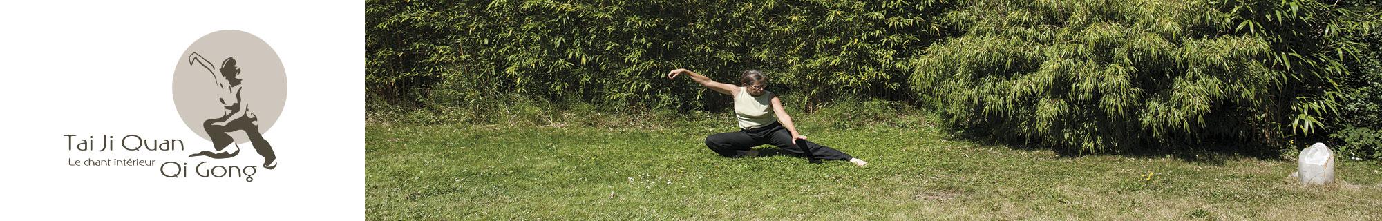 Tai chi dans le jardin: la posture du serpent